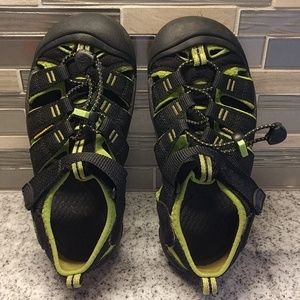 EUC Keen washable sandals